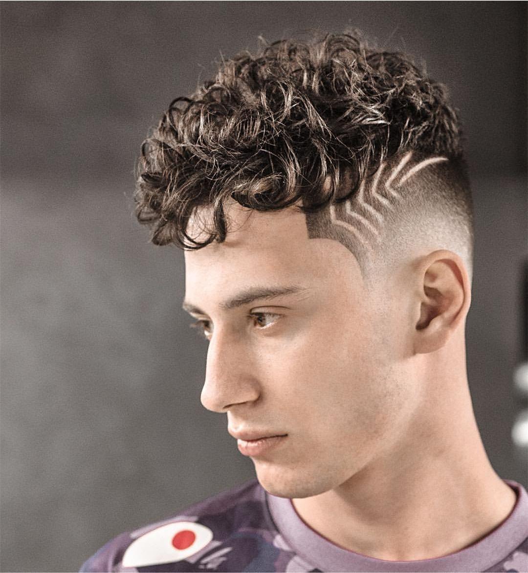 男生圆头刻痕发型图片 时尚刻痕发型展现你的个人魅力_男生圆...