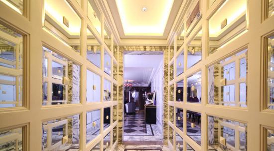 欧式客厅只要设计好吊顶别的地方随便装档次也能高十倍