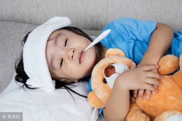 醫生忠告:小兒感冒、發燒、咳嗽時,這四類藥物盡量避免使用!
