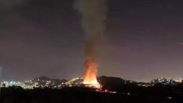 巴西博物馆大火一场人类的文化劫难,无法弥补