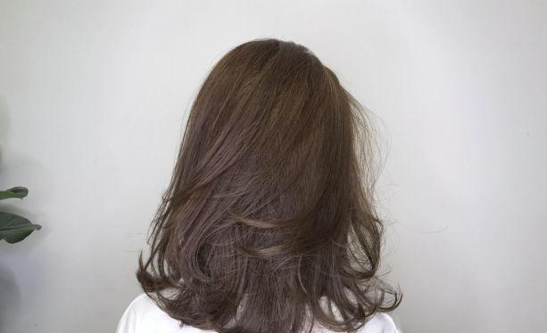 减龄齐肩发烫发发型