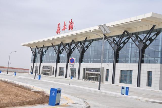 6.4亿建高原机场,因亏损严重而停运,现在工人花190就能坐