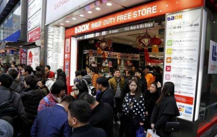 """日本境内中国游客暴增, 却遭当地居民""""嫌弃"""", 网友愤怒: 活该!"""