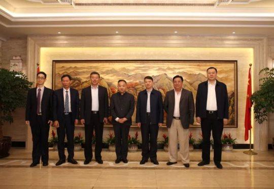 阮希玮积极促进中外经贸文化交流凌虐海贼王娜米
