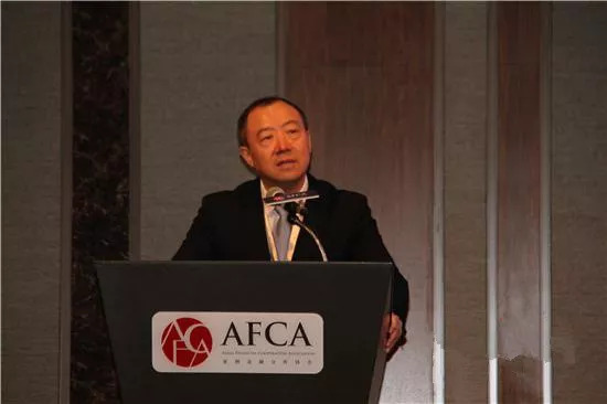 银保监会副主席黄洪:未来可以从四个方面深