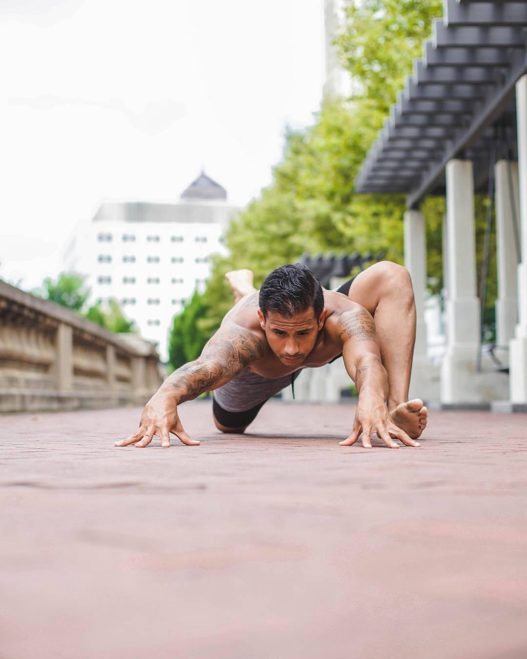 按照小我私家接管本领你也可以让本身的腿做出一些此外能减轻压力的行动