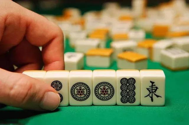 打5元麻将赌资共420元被拘5日,男子状告公安局!麻将玩