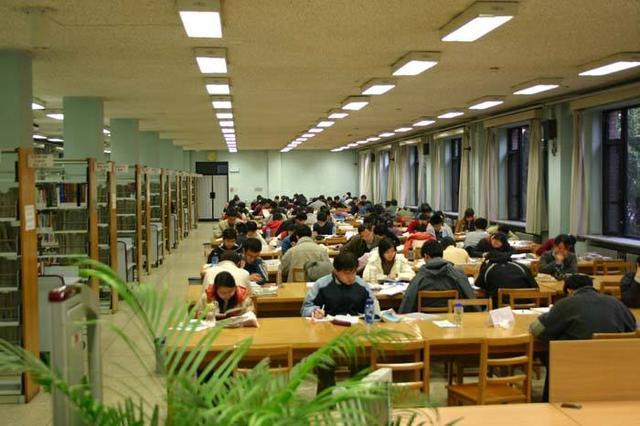 清华大学毕业的学生工作后能拿多少钱的工资?很多人都猜错了