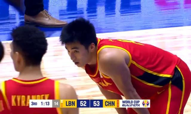 男篮惜败全因1人,全场进攻无力,难道他真的不适合留在国家队?