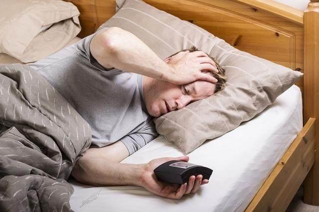 秋季失眠多梦很常见,除了喝牛奶,还有3类食物帮你一觉睡到天亮