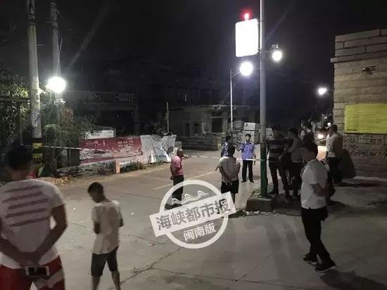 男子因琐事持刀报复一家四口致2死2伤 已被刑拘