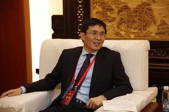 李振国钟珍申谁是父老亲_隆基股份董事长钟珍申:装置靖