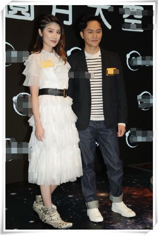 当45岁陈慧琳撞上35岁吴昕,终于明白女人气质比年龄重要太多