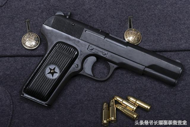 后仓击锤_闭锁方式采用枪管摆动式,并设有空枪挂机,而后期型54-1式设有击锤保险