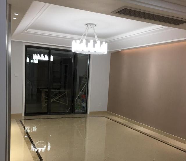 新房完工刚做完保洁,20万的装修被亲戚们夸成了50万的,真有面子