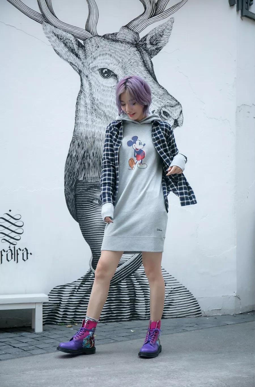 优衣库给 90 岁的安迪沃霍尔和米老鼠做了T恤,有趣又时髦