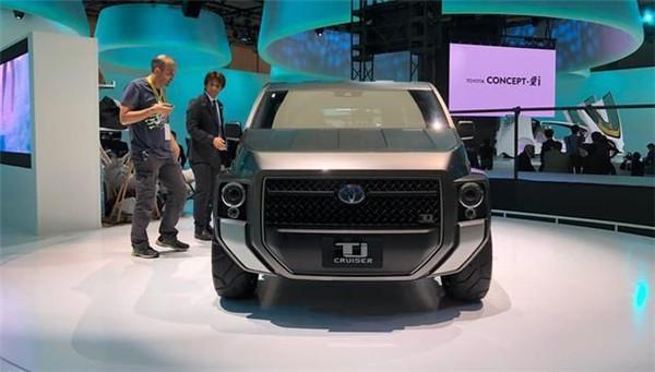 丰田又出新车了,侧滑门设计SUV,21寸大轮毂