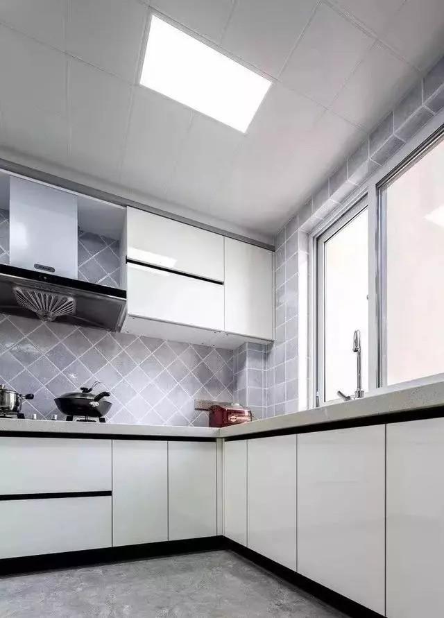 这样装厨房才实用好看,我老婆再也没为清洁问题犯愁啦