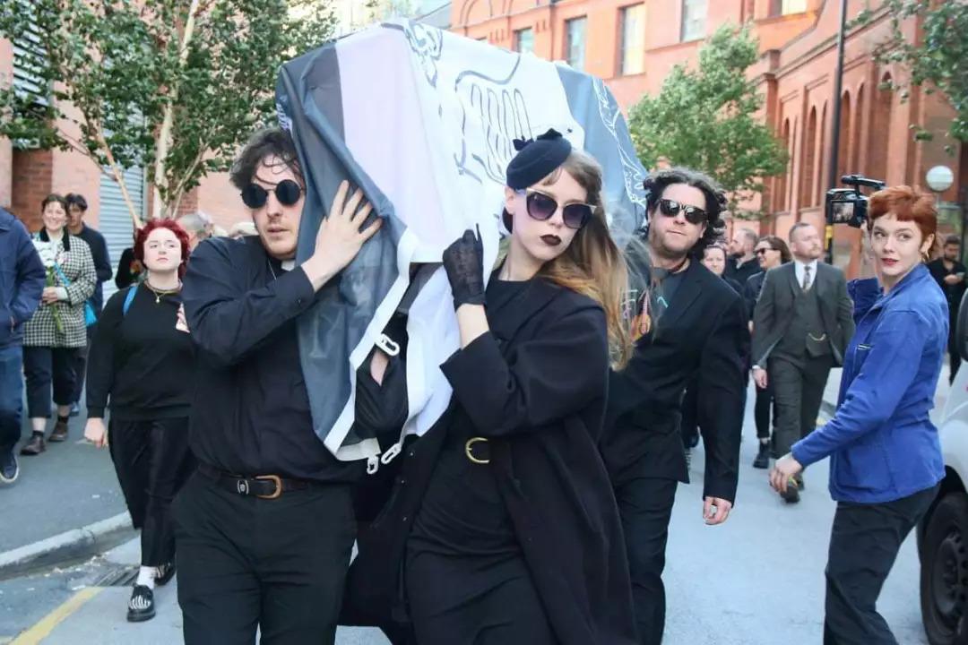 威尔士王妃戴安娜葬礼2.0.图片来源:phil taylors/swns