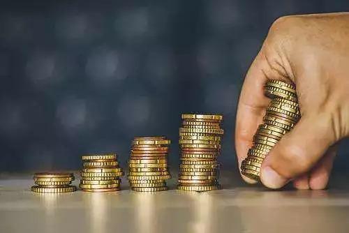 """""""连环单""""换房客忙碌的周末:赶网签、筹钱、改商贷"""