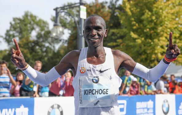 卡戴珊 亨弗里斯 柏林马拉松诞新世界纪录!基普乔格2:01:39夺冠