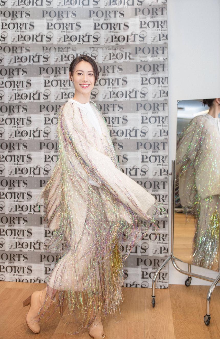 梁洛施首次亮相时装周,时尚造型显大气,优雅气质范不输杨幂刘诗诗!