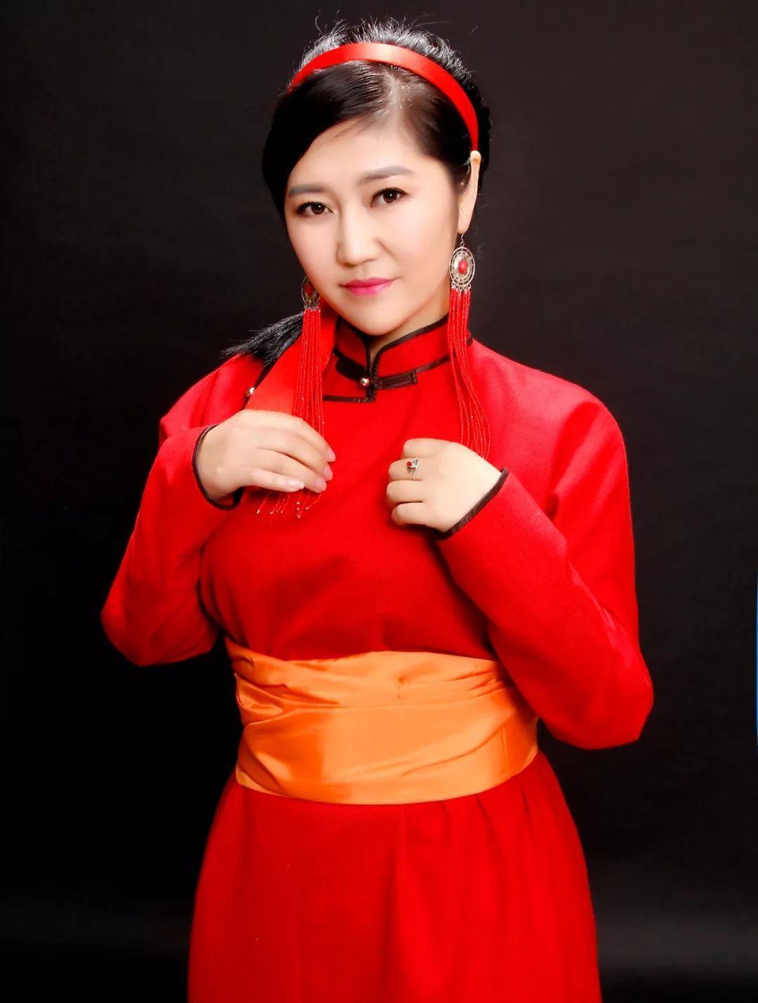 扎鲁特旗 美女唱的蒙古民歌 乌兰哥哥 真好听