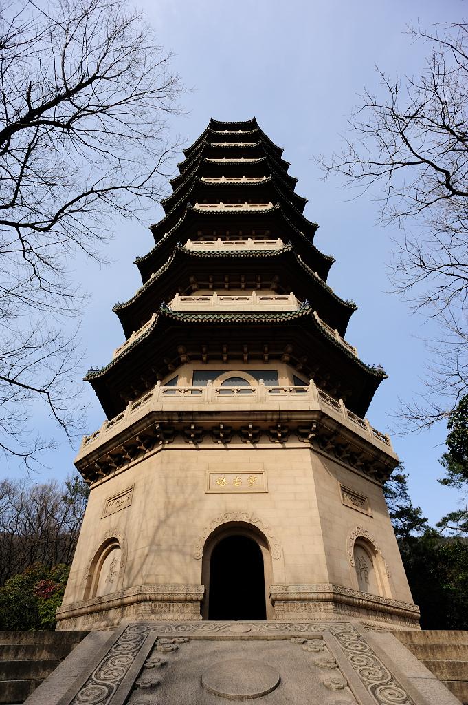 """千年古刹灵谷寺,朱元璋封""""天下第一禅林"""",南京的一片清净之地"""