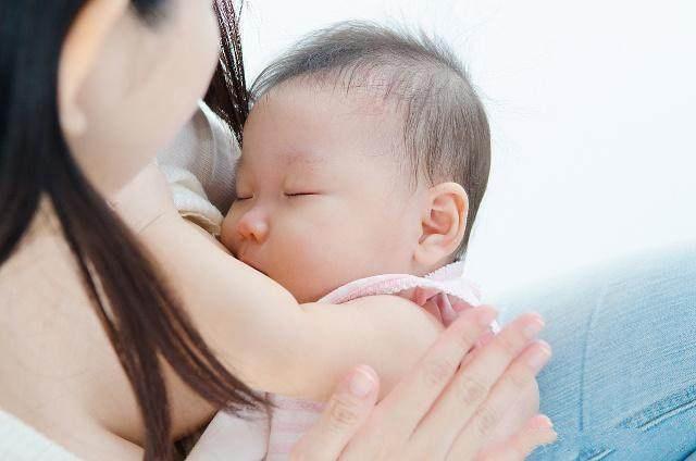 为什么断奶后,乳房会变小、变下垂?