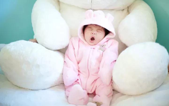 5个可以有效帮助宝宝断夜奶的方法