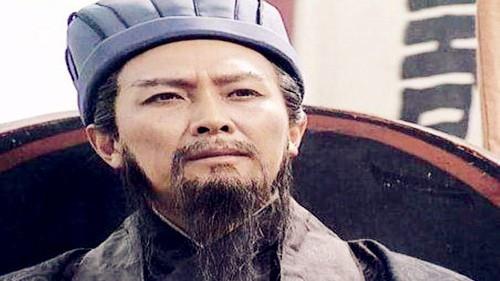 唐国强在《三国演义》中饰演的诸葛亮图片