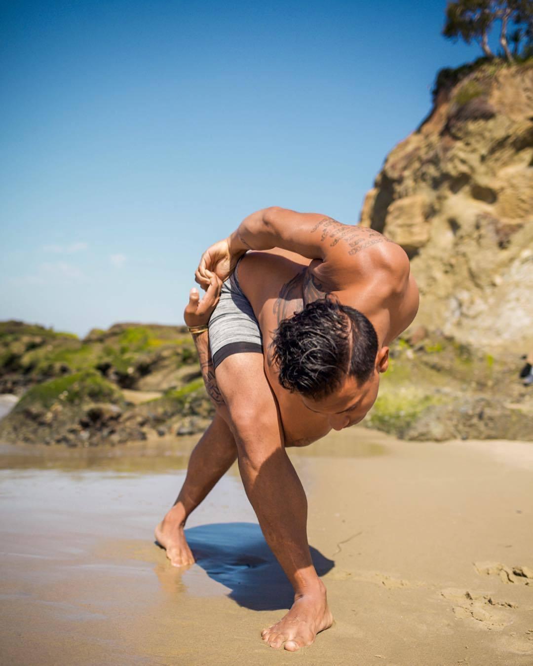 什么是瑜伽?女人可以练得好,男人也能练得很好的一项运动