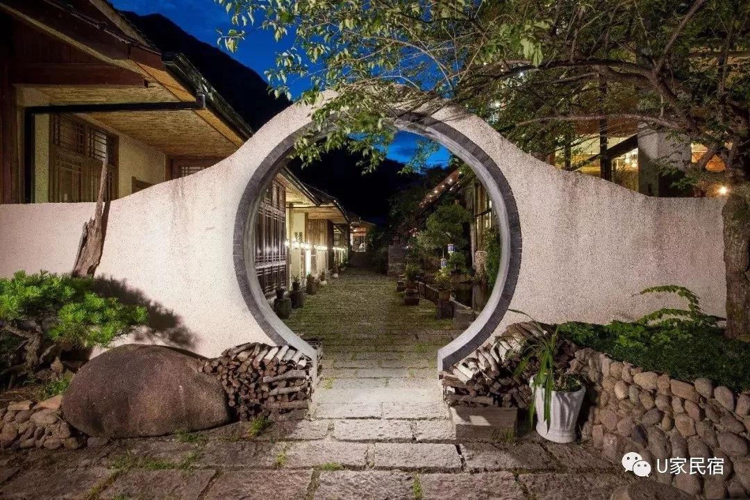 你从未见过的吊脚楼,搭配上日式庭院,苏式园林居然颇有韵味图片