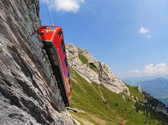 直击世界上最危险铁路,最大坡度48度,你敢坐吗?