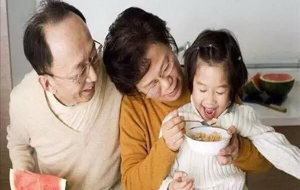 奶奶帶大和奶奶帶大的孩子,三大不同寶媽不知,老師卻能一眼看出