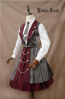 双子座知性优雅,学生风的洛丽塔裙子也是很陪衬她们的气质.图片
