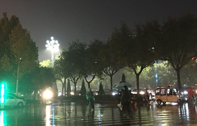 大雨到聊城了!今夜起中到大雨!特别提醒!