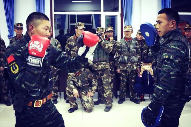 解放军拳王周志鹏直言拳击是伟大的运动,呼吁格斗界同仁停止内斗