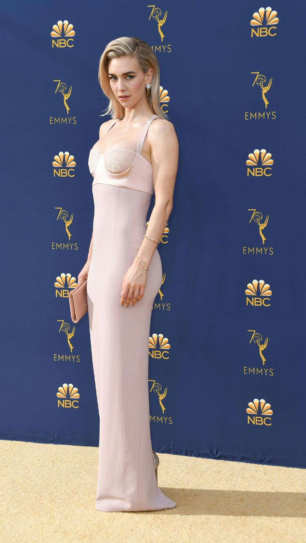 第70届艾美奖群星红毯争艳,优雅性感VS美艳霸气,真是铆足了劲!