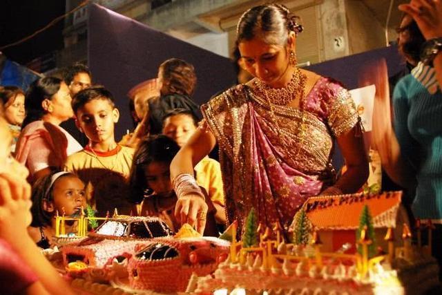 看过印度富人区女孩的生活,就明白为什么他们觉得中国穷了
