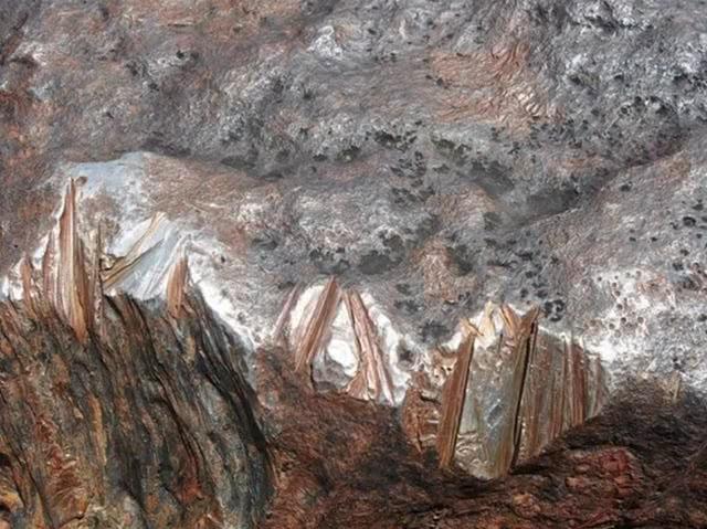 世界上最重的隕石,100年前被發現,重達60噸卻被游客毀壞嚴重!
