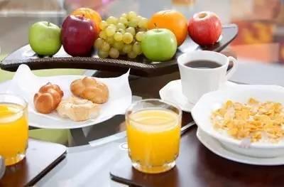 提醒:这4种早餐吃一次,毁一天,告诉身边的人要少吃
