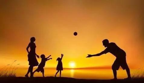 教书的是老师,但育人的一定是父母_孩子
