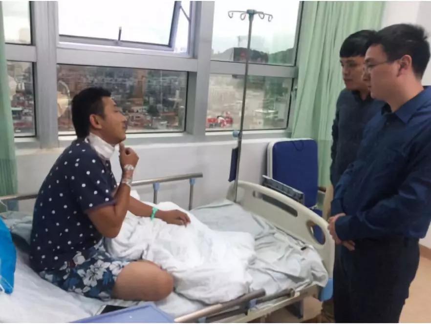 福建泉州一滴滴司机凌晨遭乘客割颈,嫌疑人已被抓获