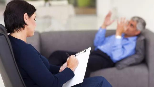 """大学毕业就乞讨?美国失业率最高的25个本科专业,哪个""""最坑""""?"""