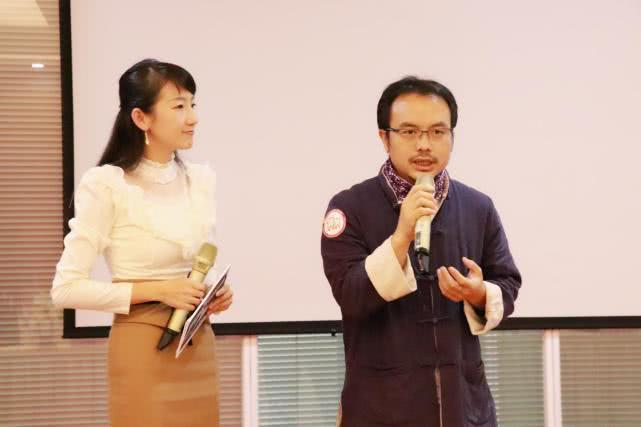 云南台lulu老师对李荣老师进行采访