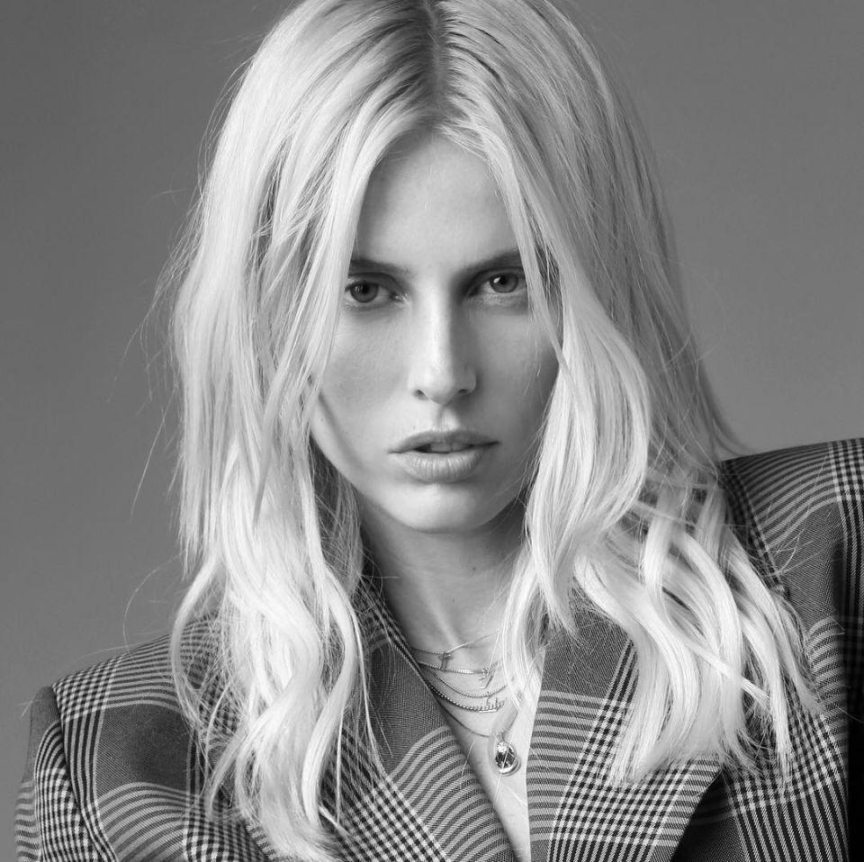 就因为一根卫生棉条,她没了双腿,却成为纽约时装周最亮眼的模特
