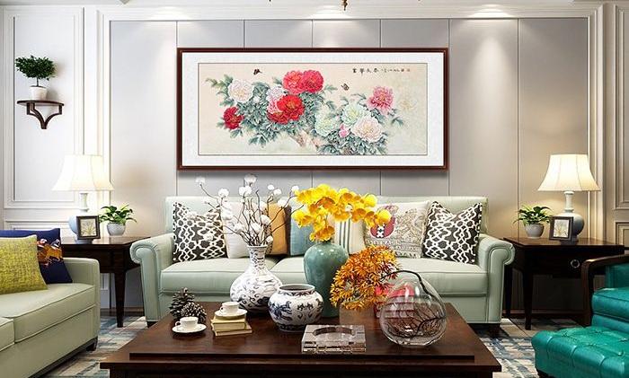 客厅挂一幅国画,浓厚的艺术气息扑面而来,大气又吉祥!