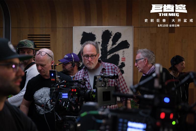 《巨齿鲨》全球票房突破5亿美金 华人文化为合拍片
