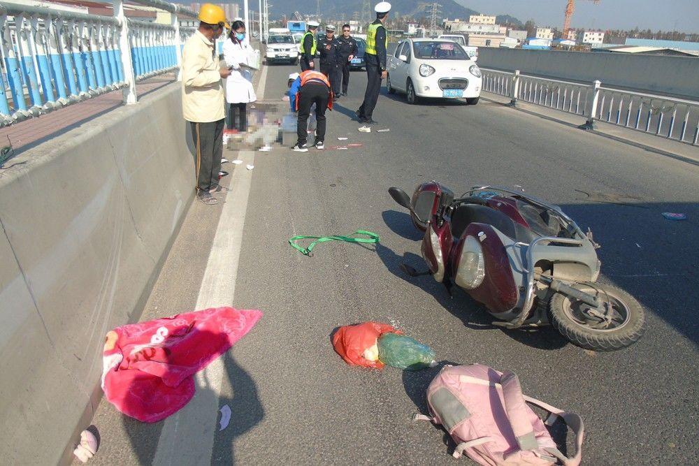 一家5口拍全家福途中遇车祸3人死 孩子才出生100天
